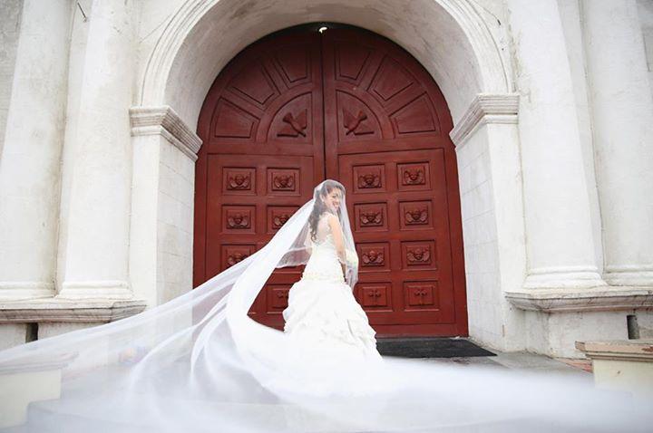 The Beautiful Bride. Photo By Lloyed Valenzuela Photography.